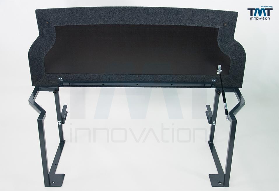 hochgeklapptes Multiflexboard mit Teppichbezug